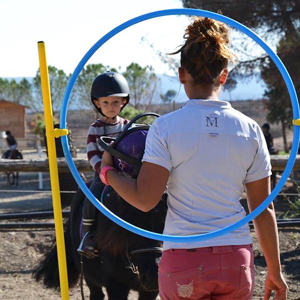Cours de poney pour enfants à Vitrolles