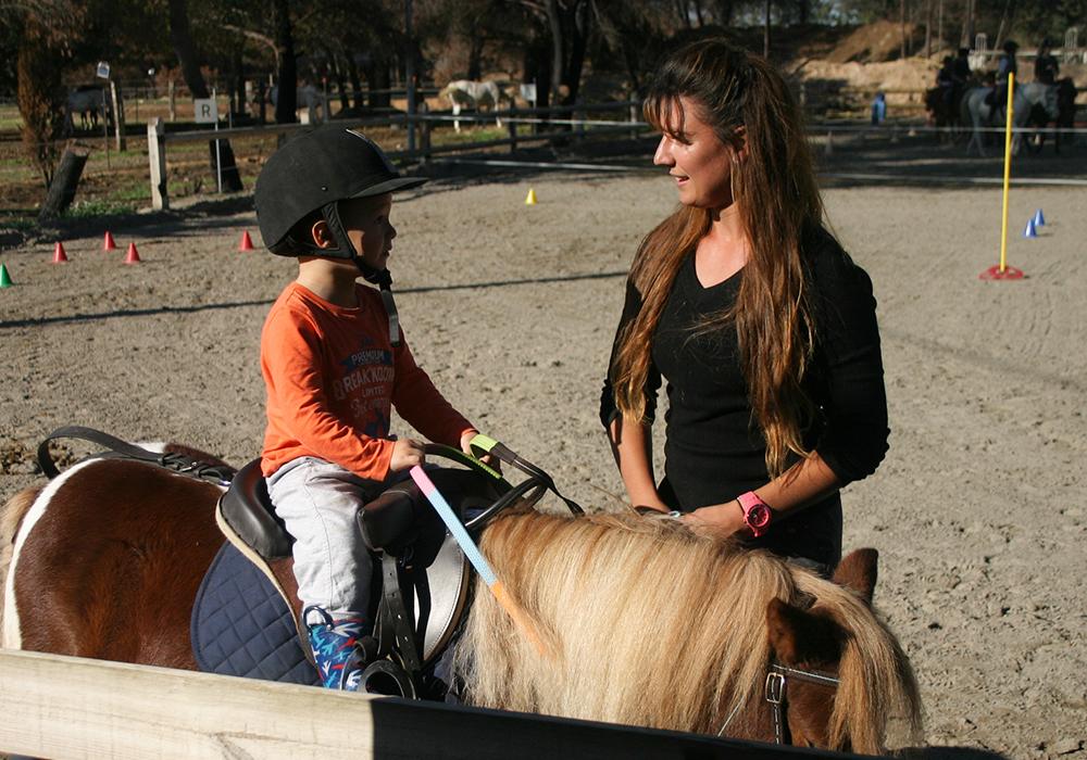 Pony Baby Activites poney pour enfants à Vitrolles
