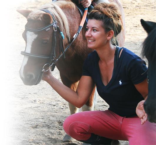 Pauline Noizet, monitrice des cours de poney Pony Baby à Vitrolles