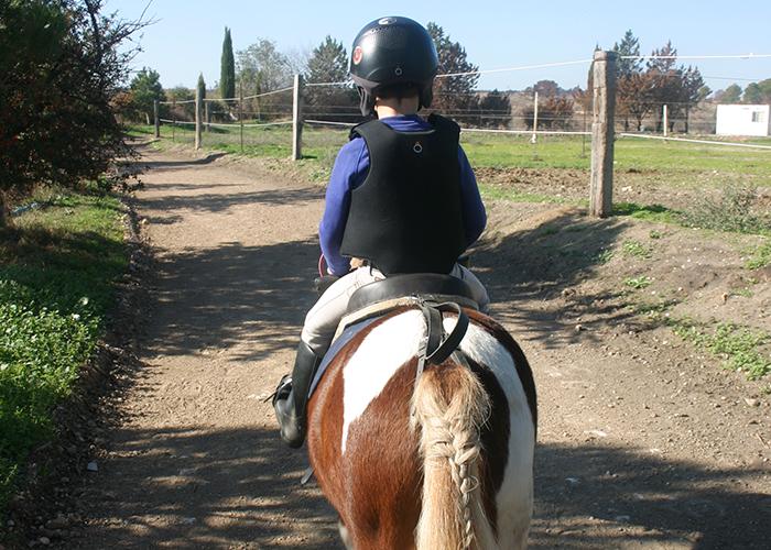 Balades découverte en poney pour enfants à Vitrolles